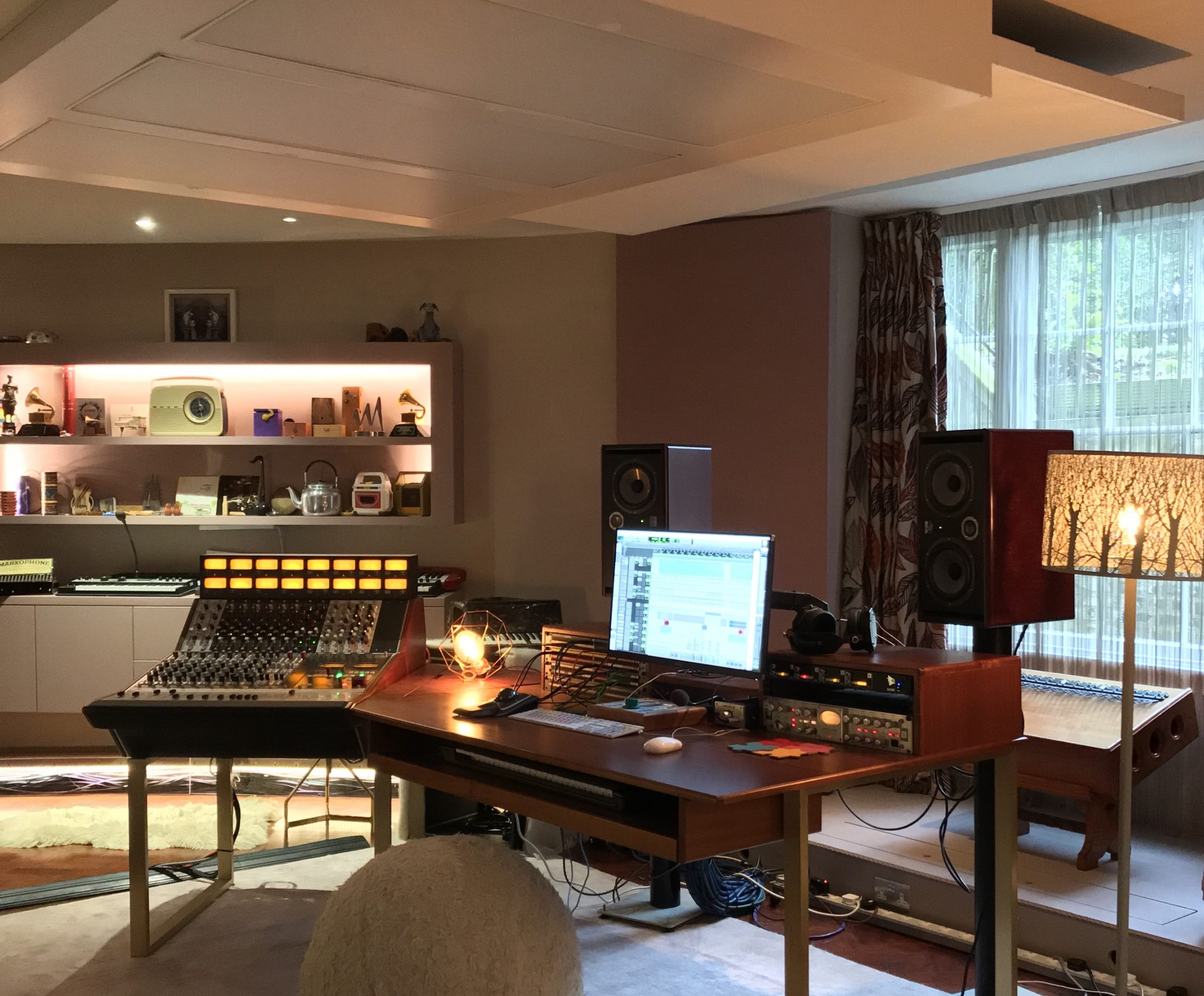 The Hideaway Studio - The Round House - havering-atte-bower